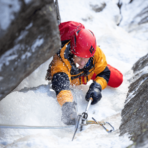Gabriel Filippi in a session of ice climbing